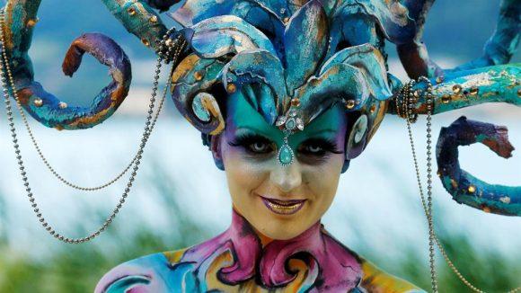 Una modelo posa durante el Festival Mundial de Bodypainting en Pöertschach, Austria. Foto: Reuters